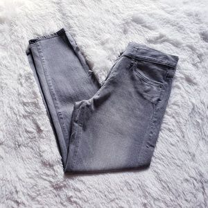 Uniqlo Women's Gray Straight Leg Jeans